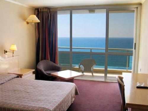 חדר נוף לים מלון גליל נתניה