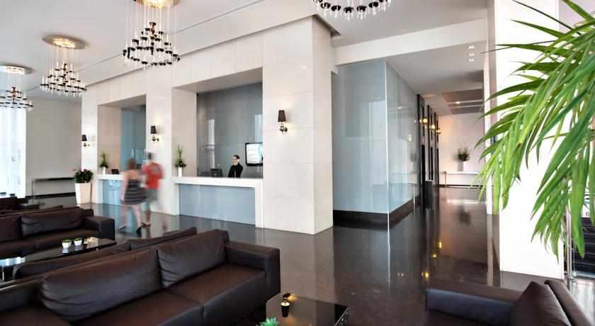 לובי מלון סוויטות איילנד בנתניה