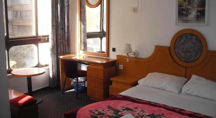 חדר זוגי מלון כורש נתניה