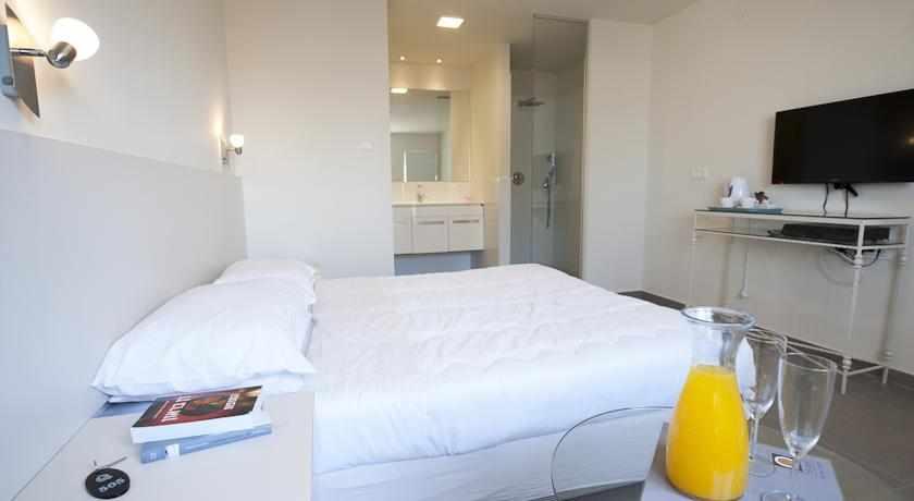 חדרי סטנדרט מלון קיו בנתניה