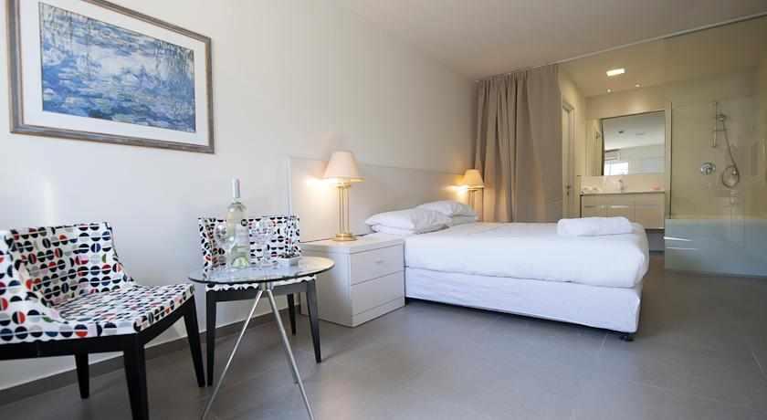 חדר זוגי מלון קיו בנתניה