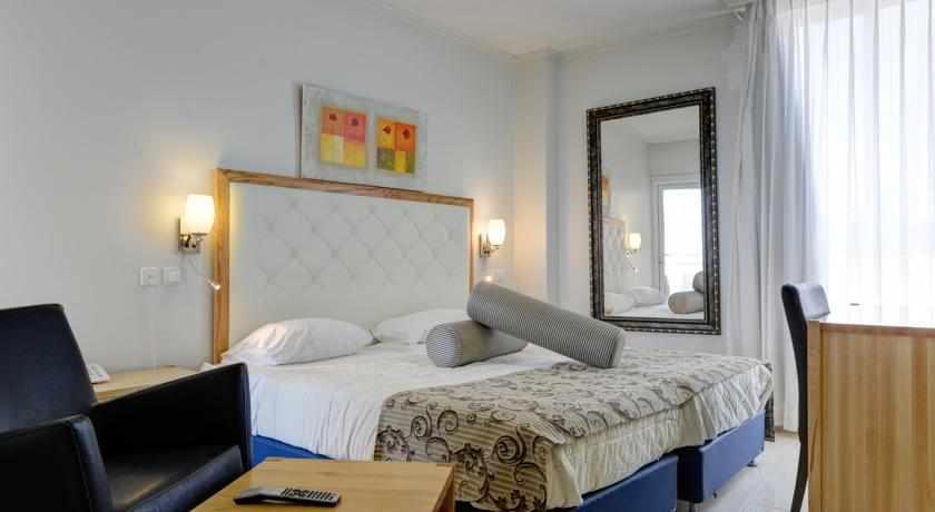 חדר סטנדרט מלון רזידנס נתניה