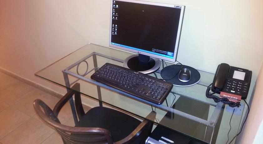 פינת מחשב מלון מצפה ים נתניה