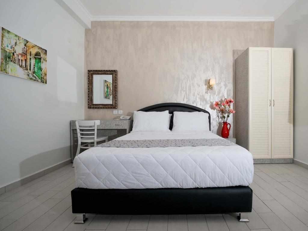 מיטה זוגית מלון עלמה בוטיק